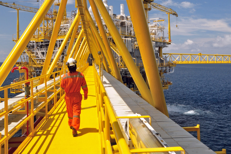 Oil Rig Offshore Walkway Surface Preparation